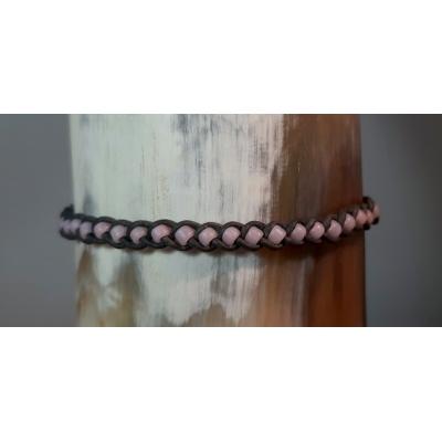 gevlochten leren armbandje grijs met pastel roze
