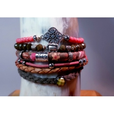 army groen met oudroze armband