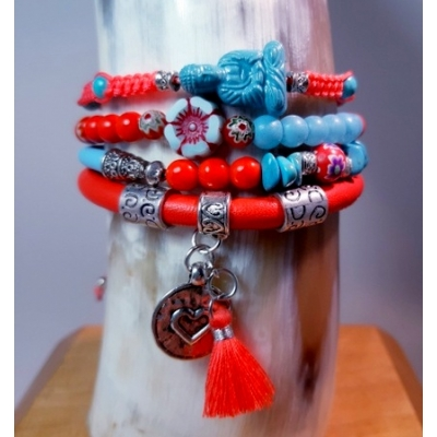 Rood met turquoise blauw armband
