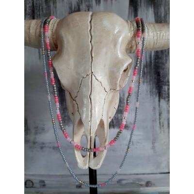 dubbele hals ketting in lichtgrijs en roze