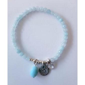 jade natuursteen armbandje in heel zacht blauw