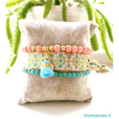 armbanden set in zachtroze/ blauw en goud